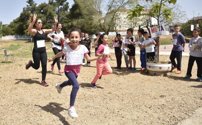 Carrera solidaria en el colegio Cerro de Reyes