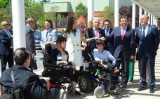 La Reina se muestra en Villanueva sensible ante las enfermedades raras