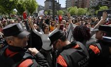 Gritos de «¡no es abuso, es violación!» a las puertas de la Audiencia de Navarra