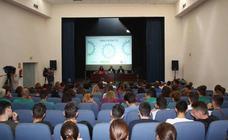 200 jóvenes participan en unas jornadas en Mérida para difundir el Plan de Empleo Autónomo de Extremadura