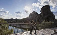 Extremadura se promociona como destino de cultura, agua y gastronomía en la Feria de Guarda