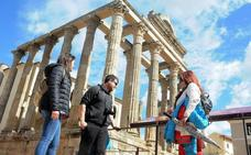 Extremadura cuelga el cartel de completo en el puente de mayo