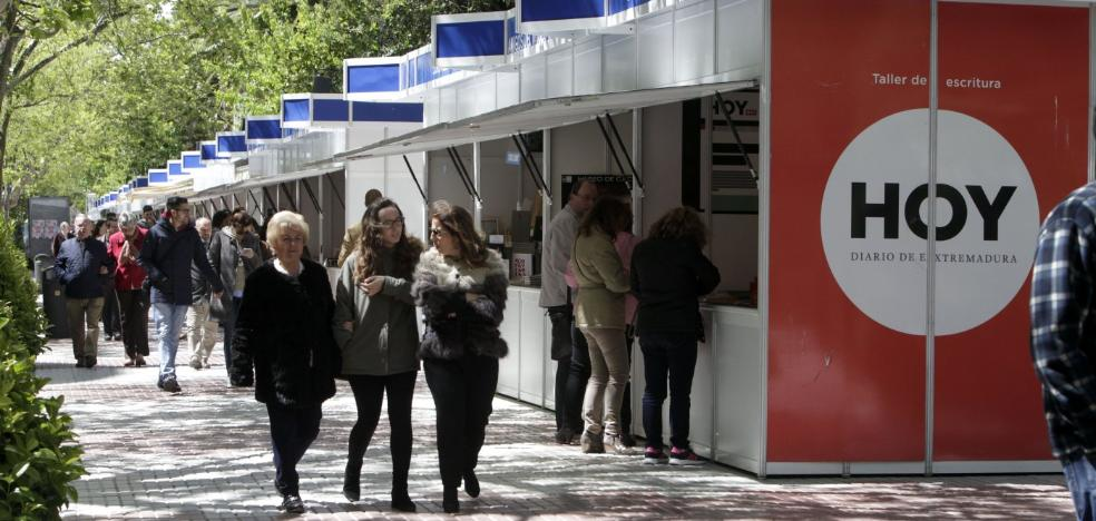 La Feria del Libro de Cáceres se despide hoy de Cánovas con buen sabor de boca