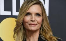 Michelle Pfeiffer, activa y espléndida a los 60 años
