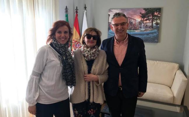 La escritora Rosario Pinto recibe un nuevo premio de poesía