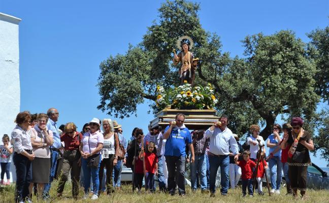 Todo preparado para disfrutar el domingo de un apretado programa en honor a San Ginés en Villanueva del Fresno