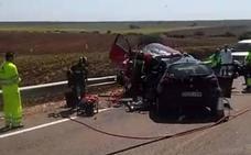 Un conductor de 20 años muere en un choque frontal entre Santa Marta y La Albuera