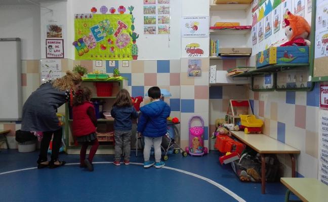 Solo ocho niños no tienen plaza en San Roque y Antonio Machado en Almendralejo