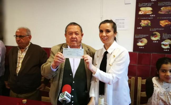 Cheque de la peña flamenca para luchar contra la AME