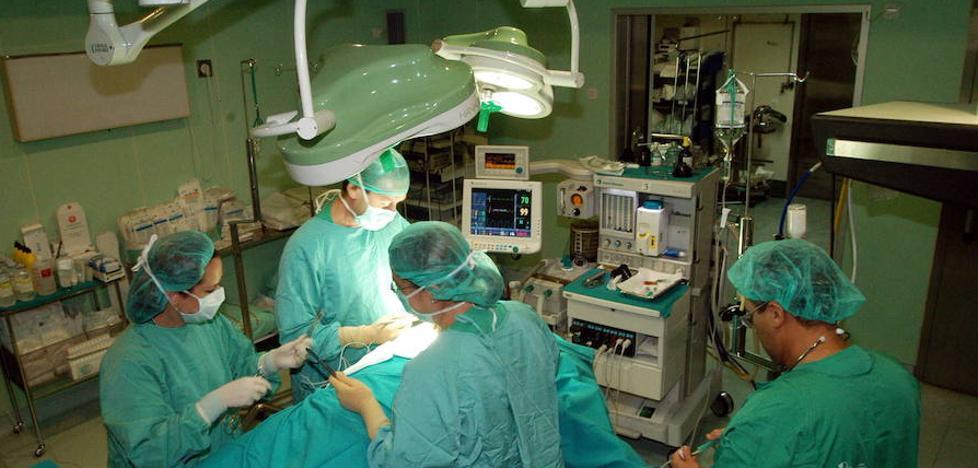 32 médicos que trabajan en el SES pueden marcharse a Castilla y León