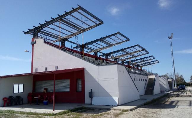 Avanza la cubierta del estadio de Campanario