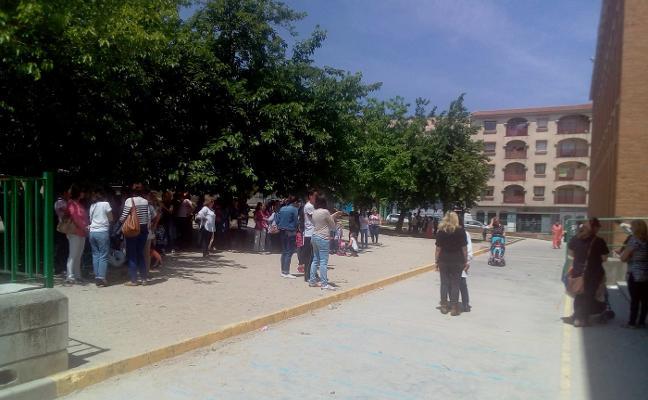 Las AMPA de Navalmoral denuncian el estado de algunos patios escolares