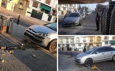 Un conductor pierde el control del vehículo y se lleva por delante un bolardo en Mérida