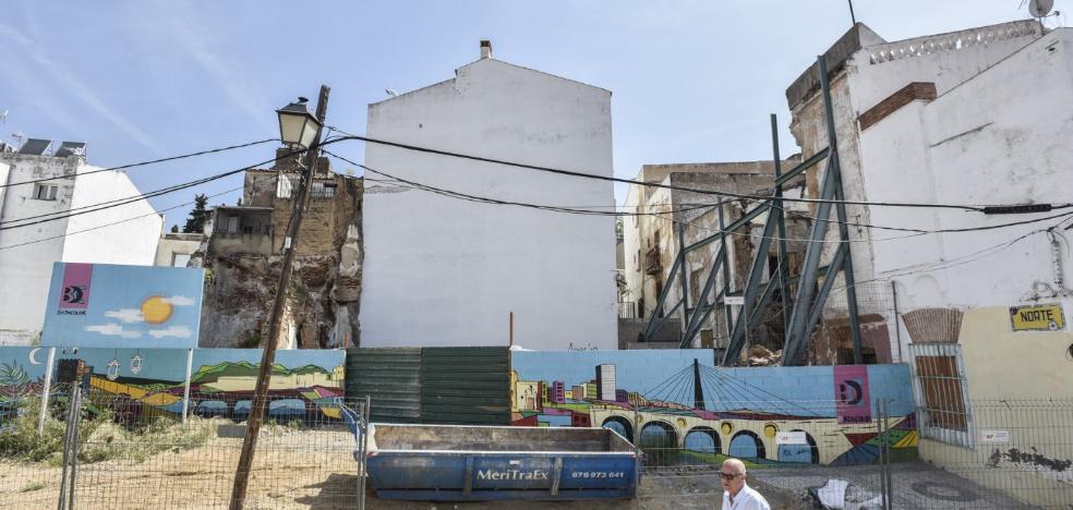 La Fundación Caja Badajoz construirá un edificio cultural frente a la Puerta del Capitel