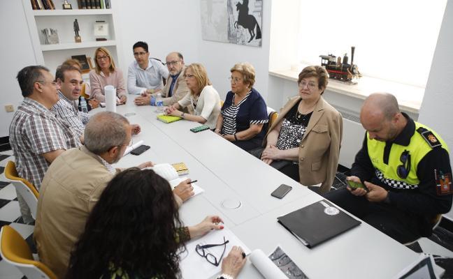 «El ascensor en Alzapiernas es viable», insiste el presidente de Aspace ante la alcaldesa