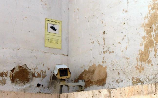 El director del Consorcio aboga por cámaras en monumentos de Mérida para evitar el vandalismo