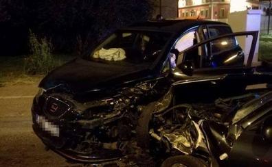 Un herido tras un choque frontal entre dos coches en la carretera de Circunvalación de Badajoz