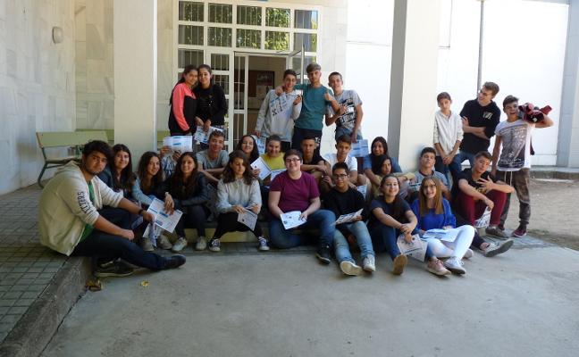 Alumnos del instituto Extremadura de Mérida se forman para prevenir el acoso escolar