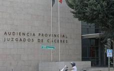 Un abuelo acusado de realizar tocamientos a su nieta sufre un infarto en Cáceres minutos antes del juicio