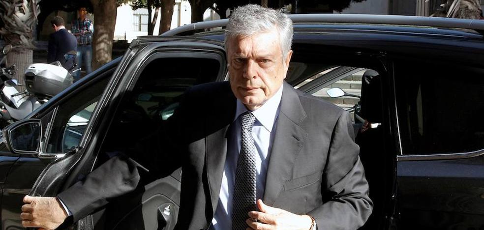 El expresidente de la CAM confiesa el cobro irregular de 600.000 euros en dietas