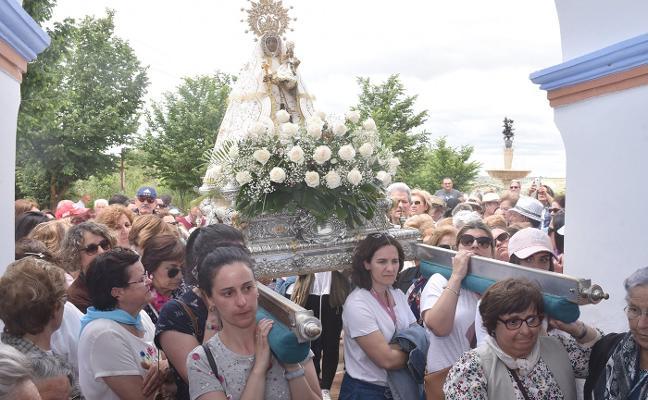 Miles de corianos disfrutan de la romería de Argeme