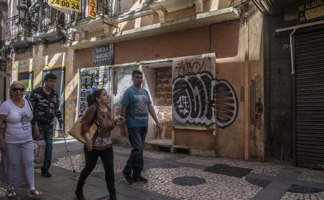 Tapian un local de San Juan en Badajoz para evitar que sea ocupado