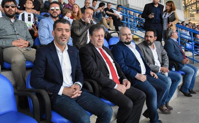 El Badajoz prepara el cambio de guardia con Premium
