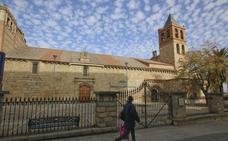 Una alemana, primera visitante a la basílica de Santa Eulalia de Mérida