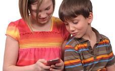 Más de la mitad de los menores muestran un uso problemático del móvil