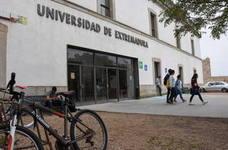 La UEx plantea la idea de que las primeras matrículas puedan ser gratis