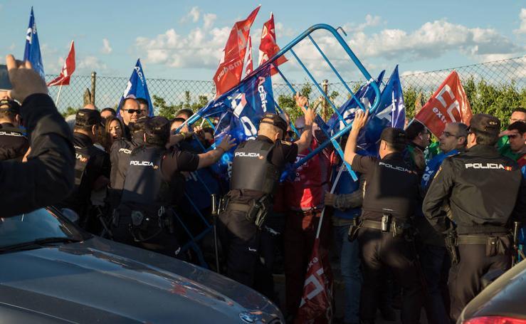 Enfrentamientos en una manifestación en la prisión de Badajoz