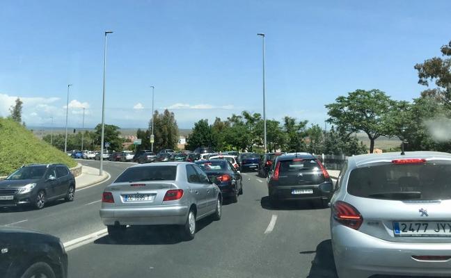 Importantes atascos ayer en Cáceres debido a las obras de asfaltado