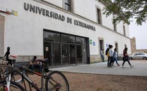 Educación ve «precipitado» hablar de matrículas gratis en la UEx