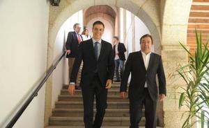 Pedro Sánchez advierte en Mérida de que Torra es el «Le Pen español»