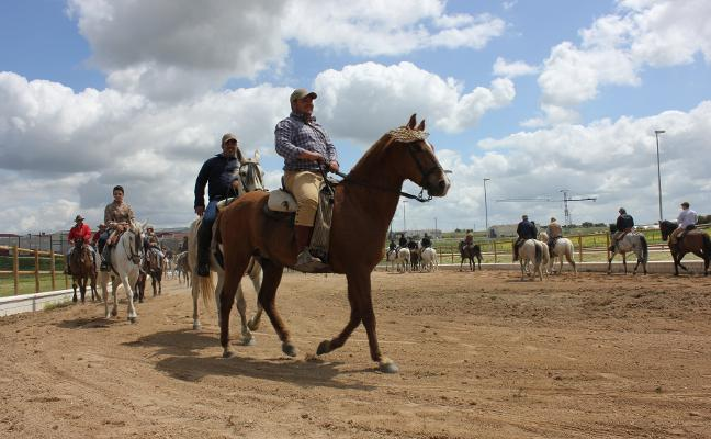 Inaugurada en Casar de Cáceres la pista hípica de La Charca