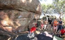 Plasencia acoge la edición 33 del 'boulder' de Valcorchero