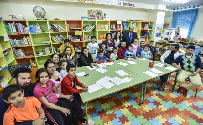 El colegio San Pedro de Alcántara de Badajoz también enseña a los padres