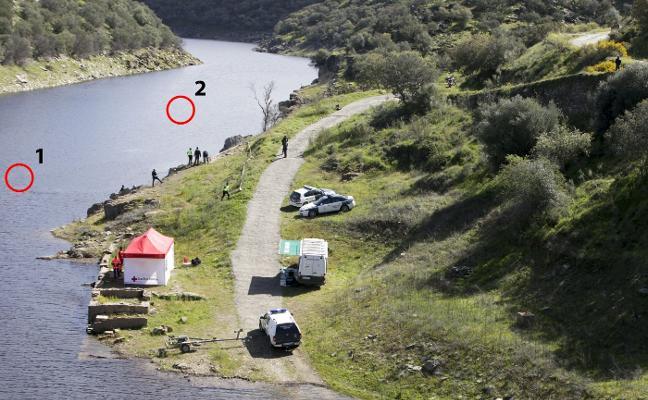 Nadie asume el rescate de los dos coches robados hundidos en el río Almonte