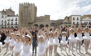 El Festival de las Aves de Cáceres se despide con más de 4.000 participantes