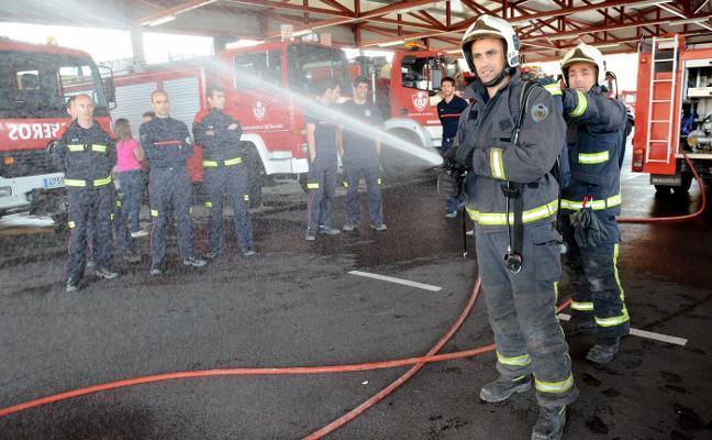 172 personas aspiran a ocupar las 10 plazas nuevas de bombero de Badajoz