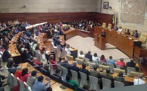 La Asamblea aboga por la unidad y la importancia de la Constitución en su 35 aniversario