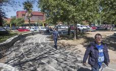 La Policía Local de Badajoz multa cada semana a cinco personas por beber en la calle