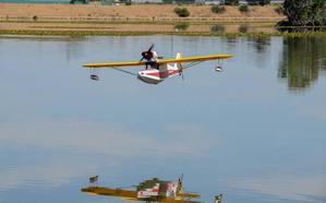 Una treintena de pilotos se darán cita el domingo en el encuentro de hidroaviones en Badajoz