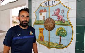 Emilio Gil abandona el banquillo del Moralo CP