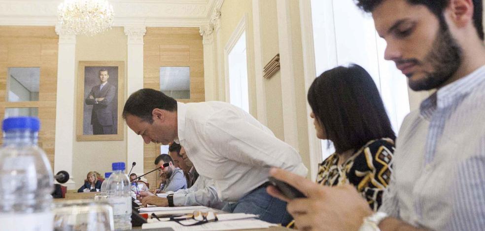 Cayetano Polo sustituye a Víctor Peguero en la Diputación de Cáceres
