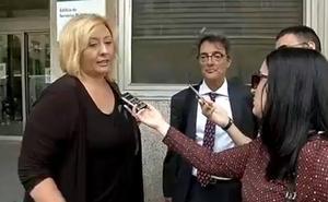 La consejera de Educación se reúne con la madre de la alumna con autismo supuestamente maltratada
