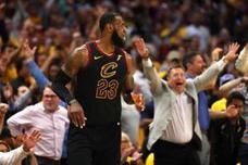 LeBron se exhibe para empatar la serie ante los Celtics