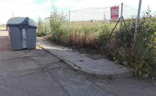 C's insta al Ayuntamiento de Almendralejo a hacer un plan de desbroce de las parcelas