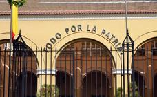 La Guardia Civil subasta 399 armas en Badajoz