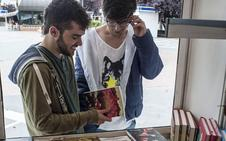 Alberto González, Inés Plana y Pepa Gómez, en la Feria del Libro de Badajoz